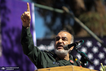 سردار سلامی: تا دشمن را از تمام سرزمینهای اسلامی بیرون نکنیم دست از جهاد برنمیداریم