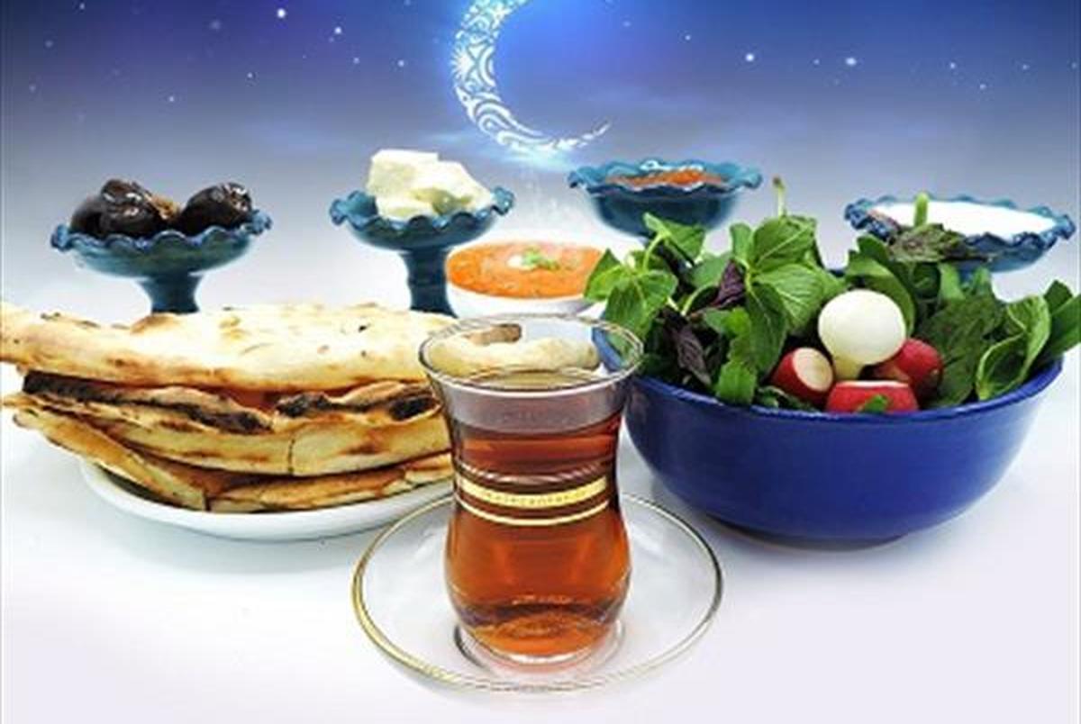 از افطار تا سحر چقدر مایعات مصرف کنیم؟