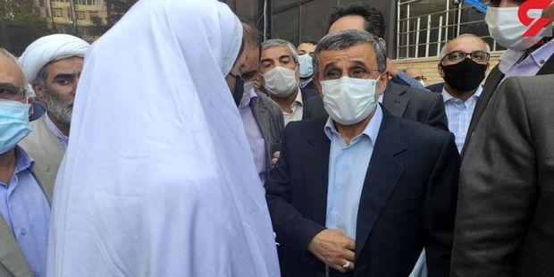 عکس/ حضور عروس و داماد در ستاد انتخابات کشور!