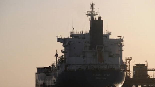 پلیس جبلالطارق: اعضای کادر نفتکش گریس آزاد شدند/ نفتکش همچنان توقیف است