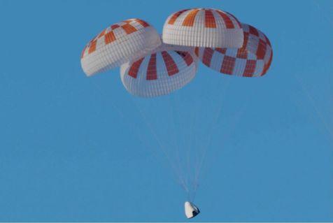 اسپیس ایکس ۱۳ بار سیستم چتر نجات کپسول فضایی را آزمایش کرد