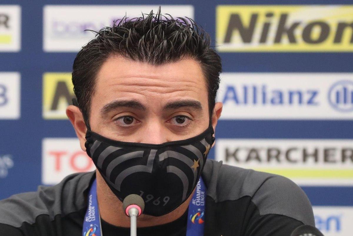 اسطوره بارسلونا جایزه بهترین مربی لیگ ستارگان قطر را کسب کرد+عکس