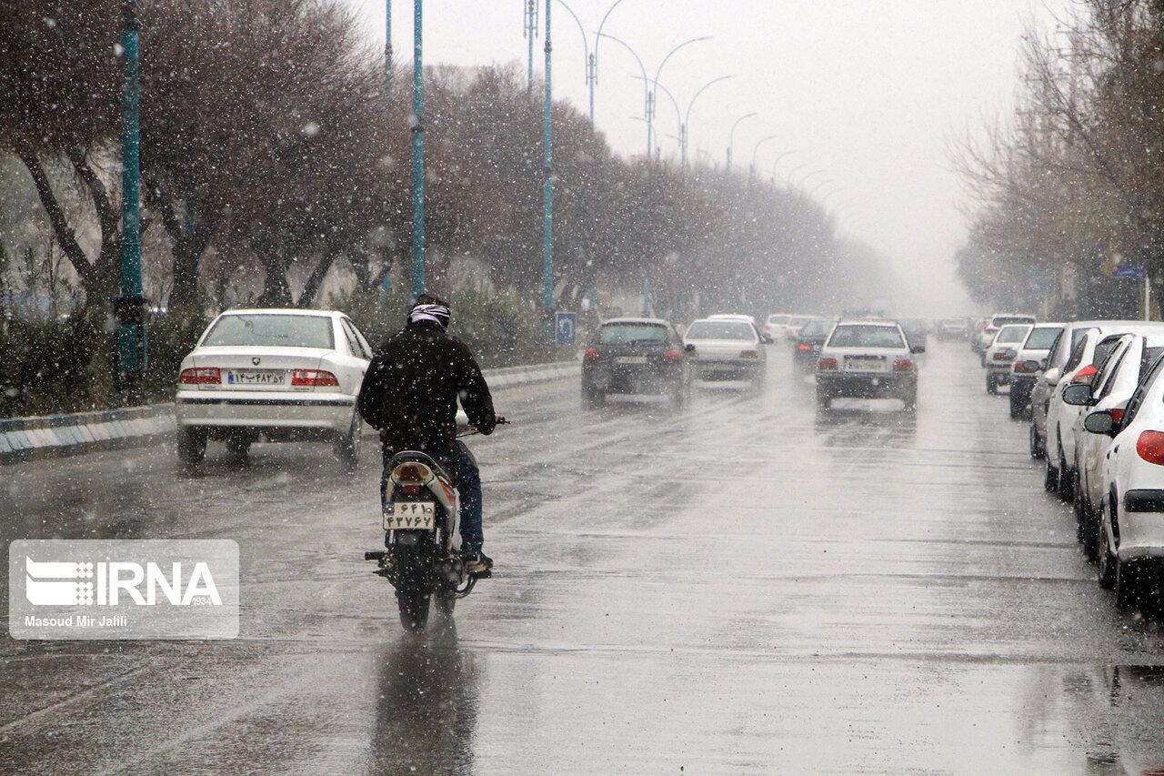 جادههای کردستان لغزنده است با احتیاط برانید