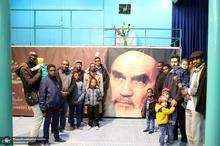بازدید جمعی از دانشجویان و طلاب سودانی از بیت امام خمینی در جماران