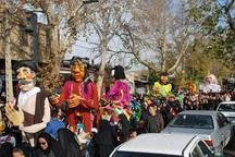 شادپیمایی عروسکهای غول پیکر در کنگاور برگزار شد