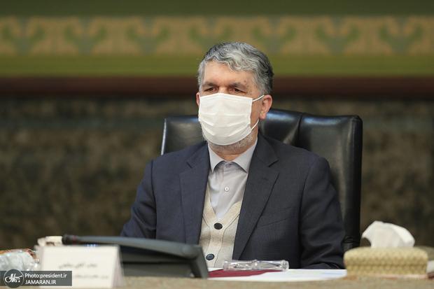 وزیر ارشاد: سردار سلیمانى را در سطح پلاکارد رقابتهای انتخاباتی تنزل ندهیم
