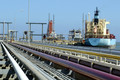ونزوئلا به رغم تحریم های آمریکا صادرات نفت به چین را از سر گرفت
