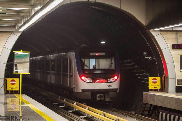 نقص فنی قطار مترو در ایستگاه شریف موجب اختلال ۱۵ دقیقهای در خط ۲ شد