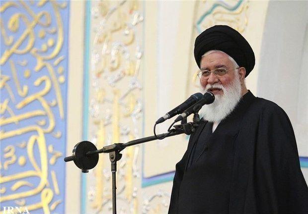 امام جمعه مشهد: مخالفان شفافیت از گیرافتادن خودشان میترسند
