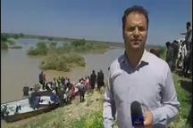 امدادرسانی با قایق به روستاهای آبگرفته اطراف منطقه شعیبیه شوشتر