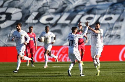 استقبال رئال مادرید از الکلاسیکو با غلبه بر ایبار