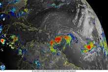 تصویر ماهوارهای از رعد و برق درون طوفان