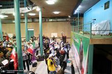 آئین نواختن زنگ انقلاب با حضور دانش آموزان در حسینیه جماران