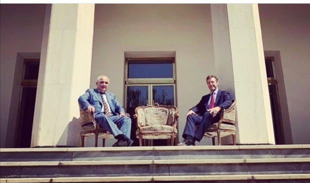 نماینده مجلس سفیران روسیه و انگلیس را دلقک نامید + عکس