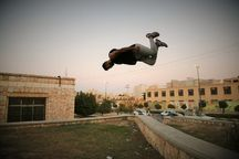 پارکور؛  ورزشی که به تدریج در ساوه و زرندیه محبوب جوانان میشود