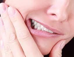 راه های درمان دندان قروچه؛ از یوگا تا رفتار درمانی