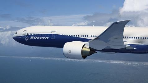 (ویدئو) برخورد صاعقه با هواپیمای بوئینگ 777