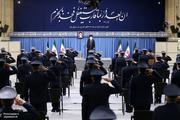 ترجمه حدیث نصب شده در حسینیه امام خمینی (ره) در دیدار امروز اعضای نیروی هوایی ارتش با رهبر انقلاب + عکس