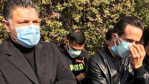 حضور علی کریمی و جمعی از پرسپولیسی ها در بیمارستان فرهیختگان