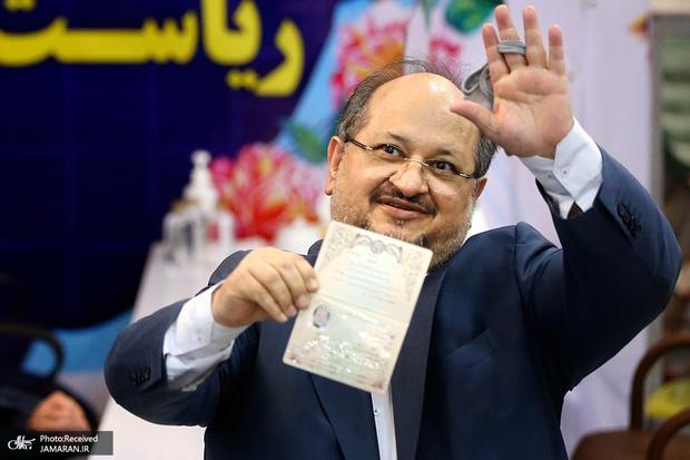 محمد شریعتمداری پس از ثبت نام در انتخابات 1400: میآیم تا امنیت شغلی کارگران تضمین شود