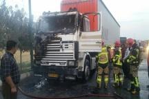 آتش کامیون حامل بار در قزوین مهار شد