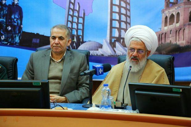 امامجمعه و استاندار زنجان از حضور مردم در راهپیمایی ۱۳ آبان تقدیر کردند