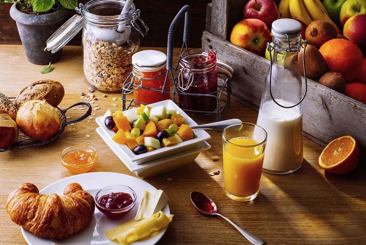 در وعده صبحانه چه غذاهایی باعث چاقی شکمی میشوند؟