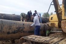 کارگران اخراجی شرکت نفتی متن برای ترمیم سیل بندها شتافتند