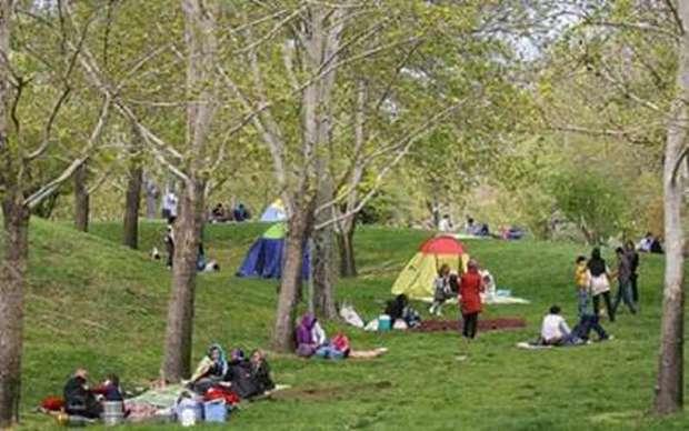 پارکها و فضای سبز زنجان برای روز طبیعت آماده شده است