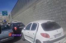 تصاویری از صف طولانی مردم برای ورود به قطعه یک آزادراه تهران – شمال