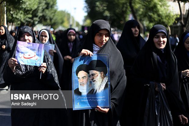 برگزاری اجتماع بزرگ مدافعان حریم خانواده در مازندران