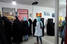 نمایشگاه آثار نقاشی 'سایه رنگ ها' در تکاب گشایش یافت