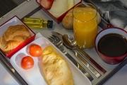 غذاهایی که هرگز نباید در هواپیما بخورید