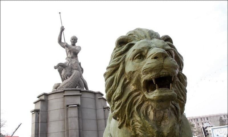 مجسمه میدان حر