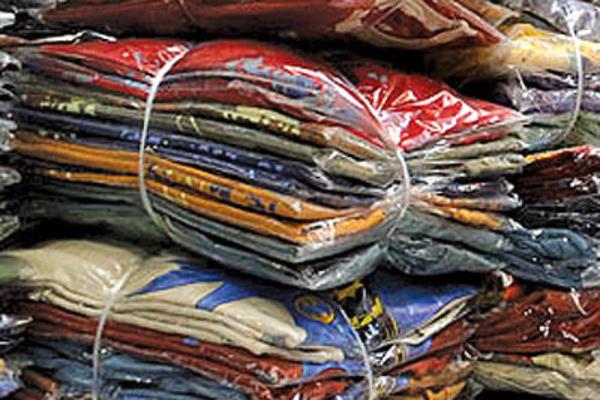 کشف 12 هزار ثوب لباس قاچاق در بوئین زهرا