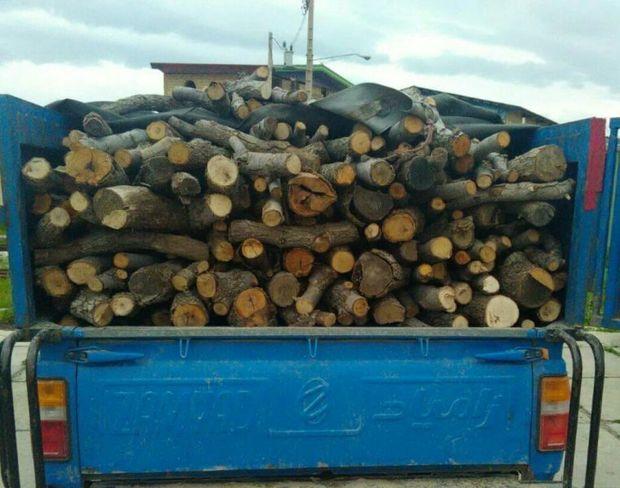خودروی حامل چوب قاچاق در جاده ارتباطی یاسوج به سی سخت توقیف شد