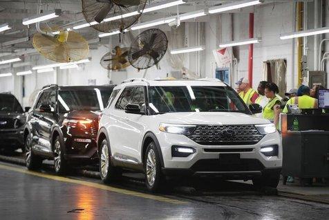 تمدید تعطیلی خودروسازان آمریکایی تا یک ماه دیگر!