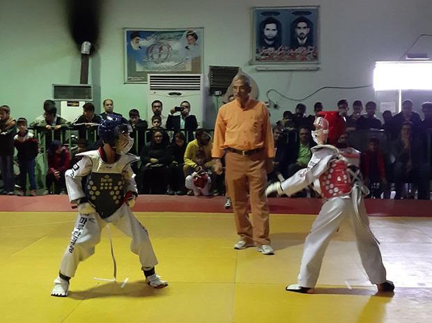 رقابت های تکواندو نونهالان و نوجوانان زاهدان برگزار شد