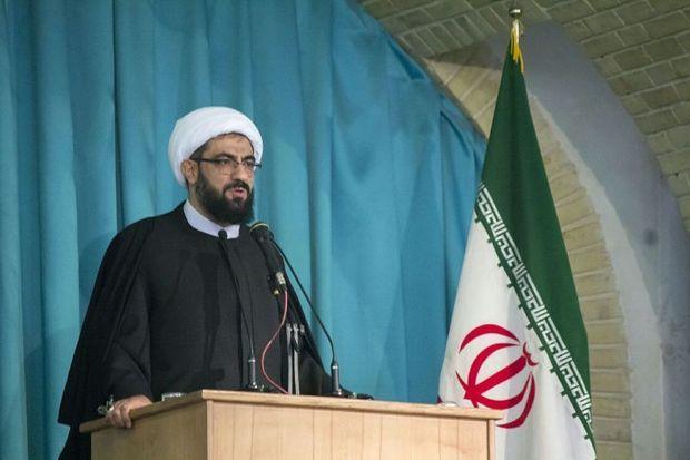 امام جمعه همدان: ولیفقیه نظاماسلامی را حفظ کرده است