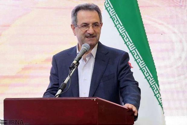 استاندار تهران: مشکلات تهران را با پژوهشهای کاربردی حل کنیم