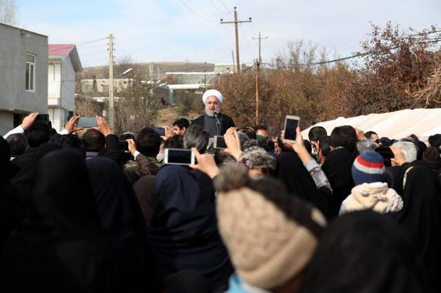 راه آهن میانه- بستان آباد با حضور روحانی افتتاح شد