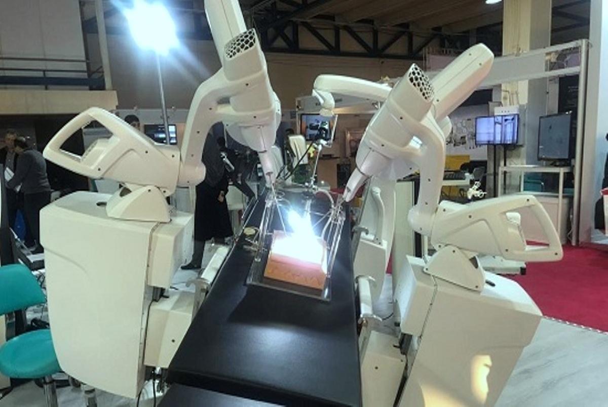 قیمت ربات جراحی از دور ایرانی یک سوم نمونه آمریکایی