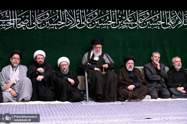 مراسم عزاداری شب تاسوعای حسینی (ع) در حسینیه امام خمینی(ره) برگزار شد