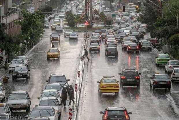 جادههای مازندران بارانی و لغزنده است
