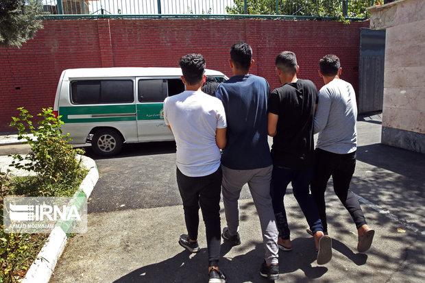 سارقان محتویات داخل خودرو در بروجرد دستگیر شدند