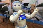 این روبات آواز می خواند و قصه می گوید! + عکس