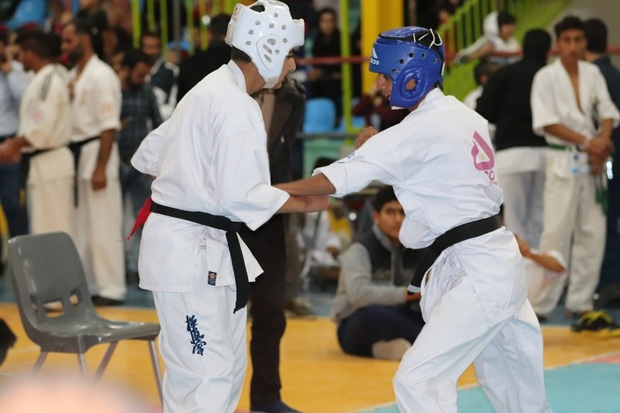 منطقه آزاد اروند قهرمان مسابقات کاراته کشور شد