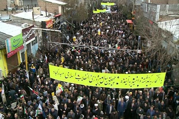 راهپیمایی 22 بهمن در مشگین شهر برگزار شد