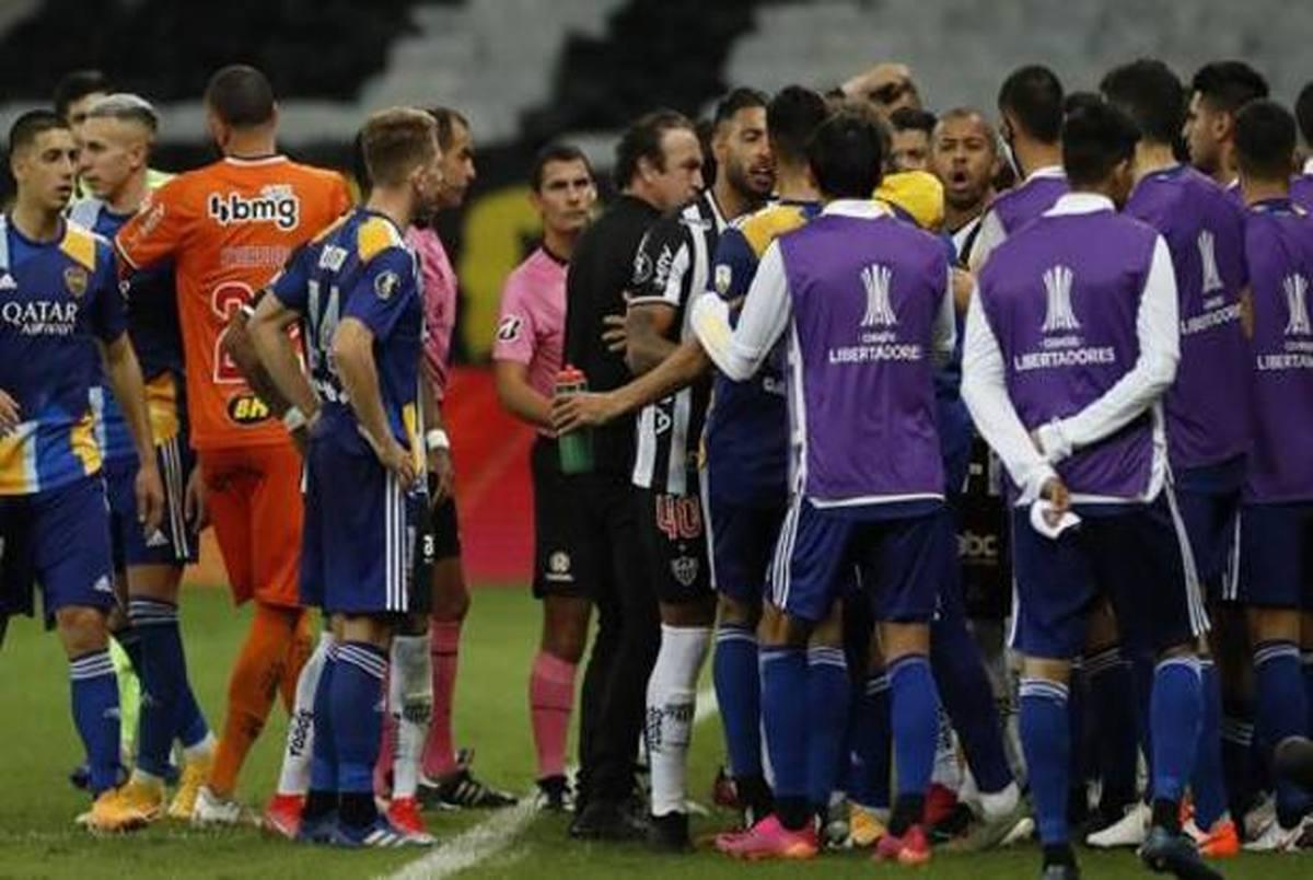 این دیگر فوتبال نیست، جنگ است! + عکس