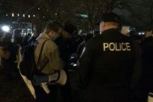 تظاهرات مقابل کاخ سفید هنگام امضای فرمان ضدمهاجرتی+ تصاویر